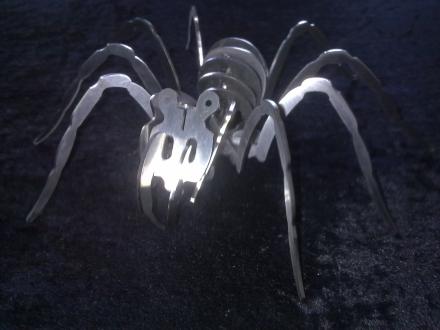 spinne-edelstahl-01