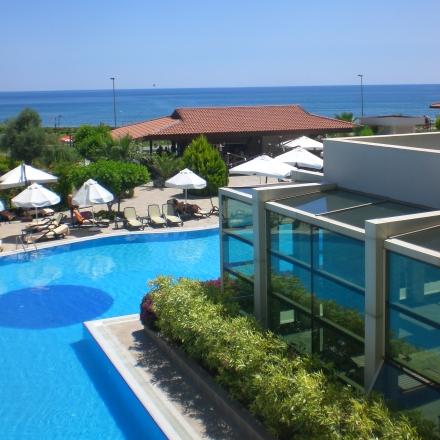 Pool und Hallenbad im Hotel