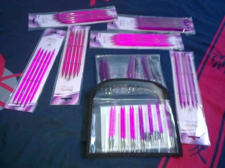 Acryl Stricknadeln in leuchtendem Pink