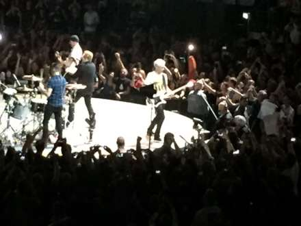 U2 in Bestform auf der kleinen Bühne